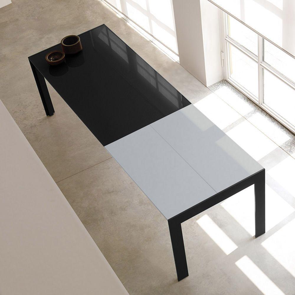 Matrix tavolo tavolo pedrali allungabile in alluminio for Tavolo nero allungabile