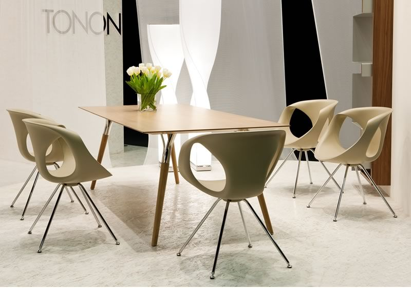 https://www.sediarreda.com/img/23f600b644/up-chair-sedie-moderne-in-metallo-e-poliuretano-di-tonon.jpg