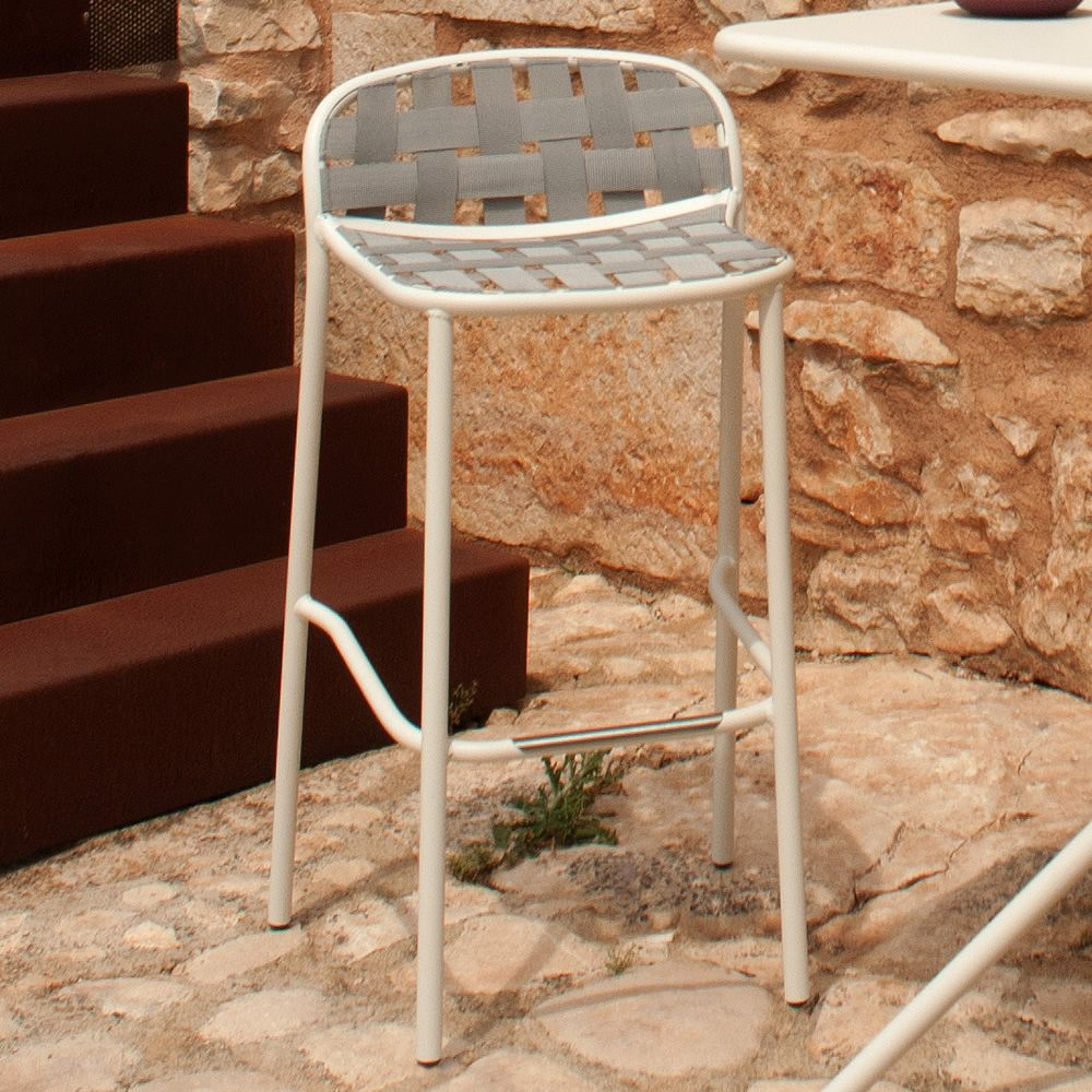 Yard S for Bars and Restaurants - Emu stool made of metal, for ...