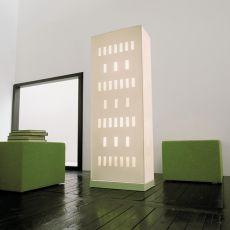 Building - Lampada design da terra rivestita in cuoio, disponibile in diversi colori