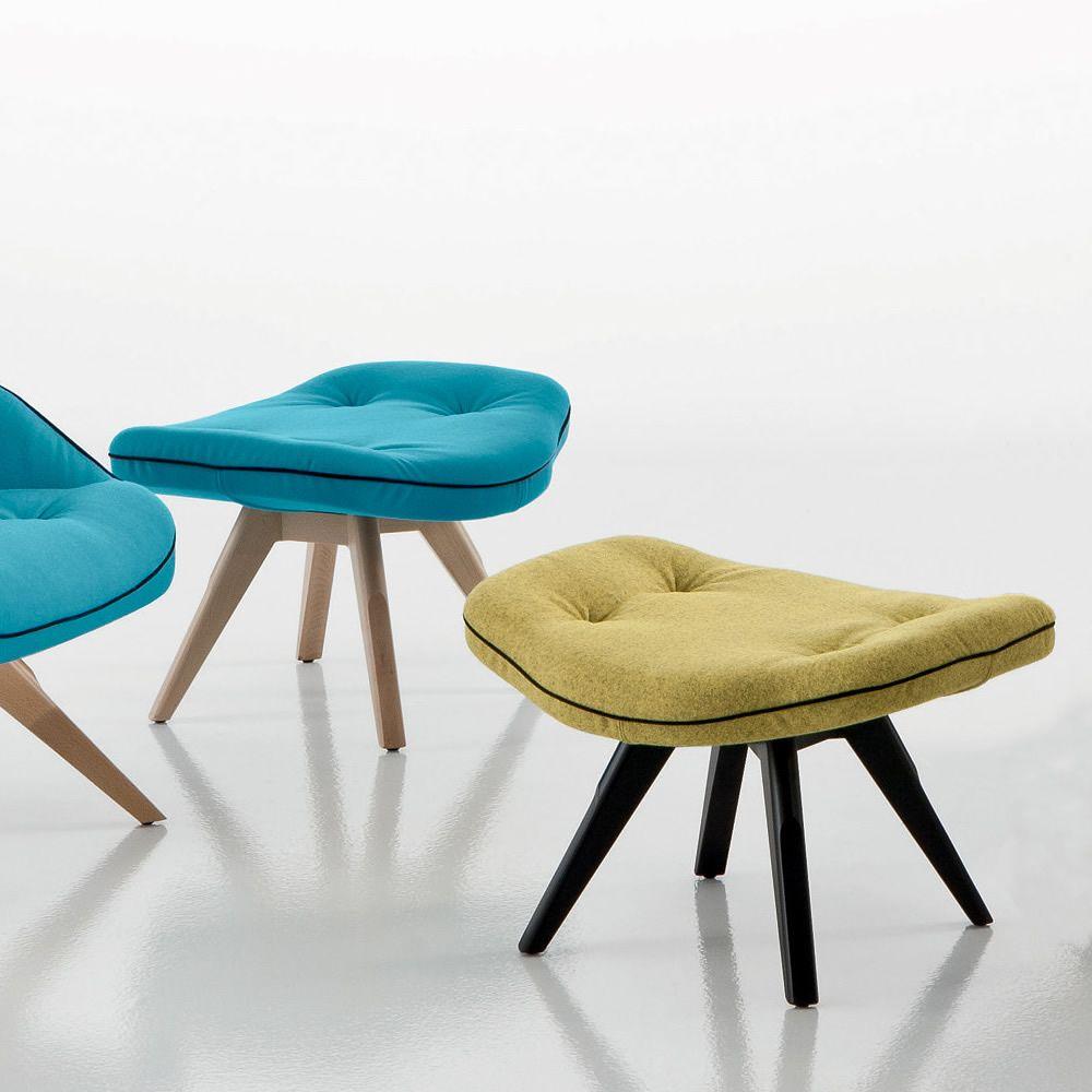 betib wood sg designer puff oder niedrigen hocker von chairs more aus holz mit gepolsterter. Black Bedroom Furniture Sets. Home Design Ideas