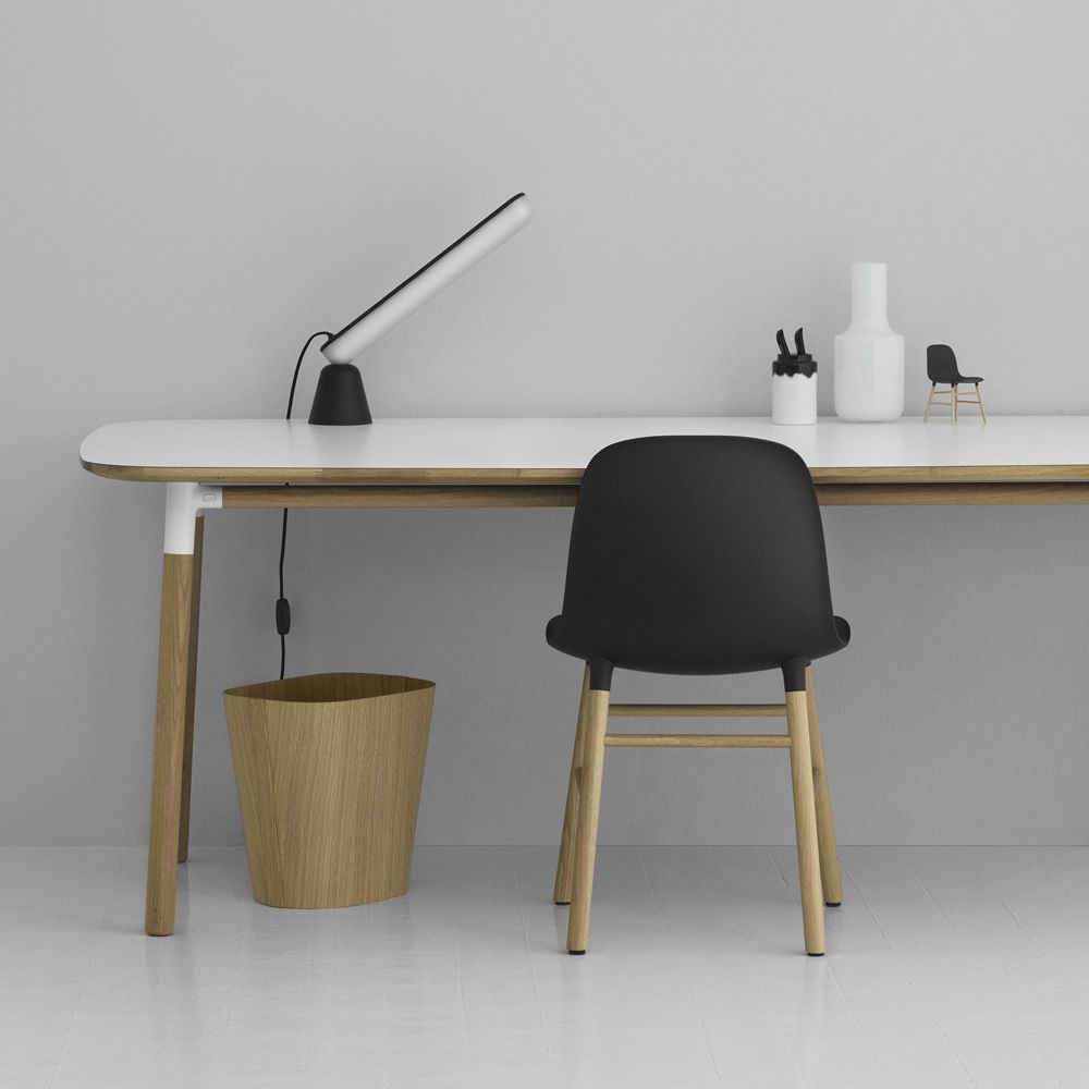 Acrobat - Lampada da tavolo Normann Copenhagen, LED, diversi colori disponibili, regolabile con ...