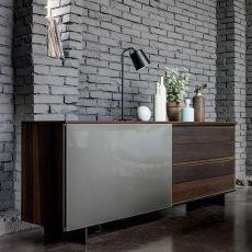 Slide-V - Madia Dall'Agnese in impiallacciato e vetro, piedini in metallo, diversi colori disponibili, un'anta e quattro cassetti