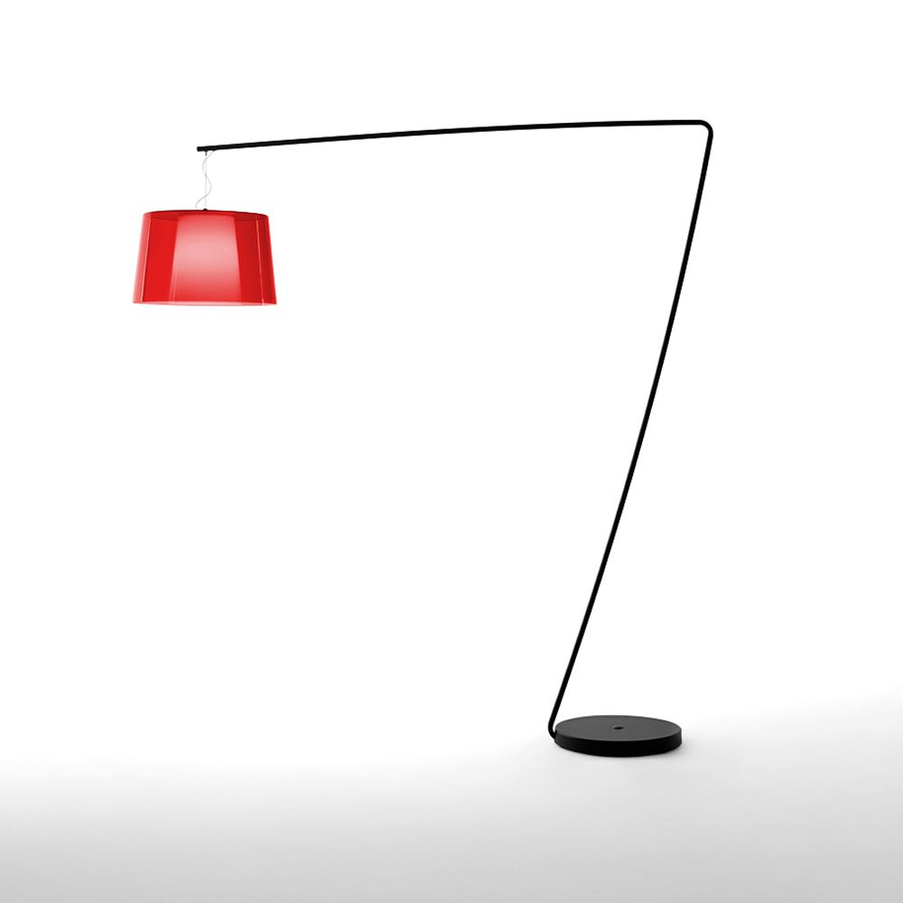 Lampada da tavolo in metallo verniciato rosso. Diffusore