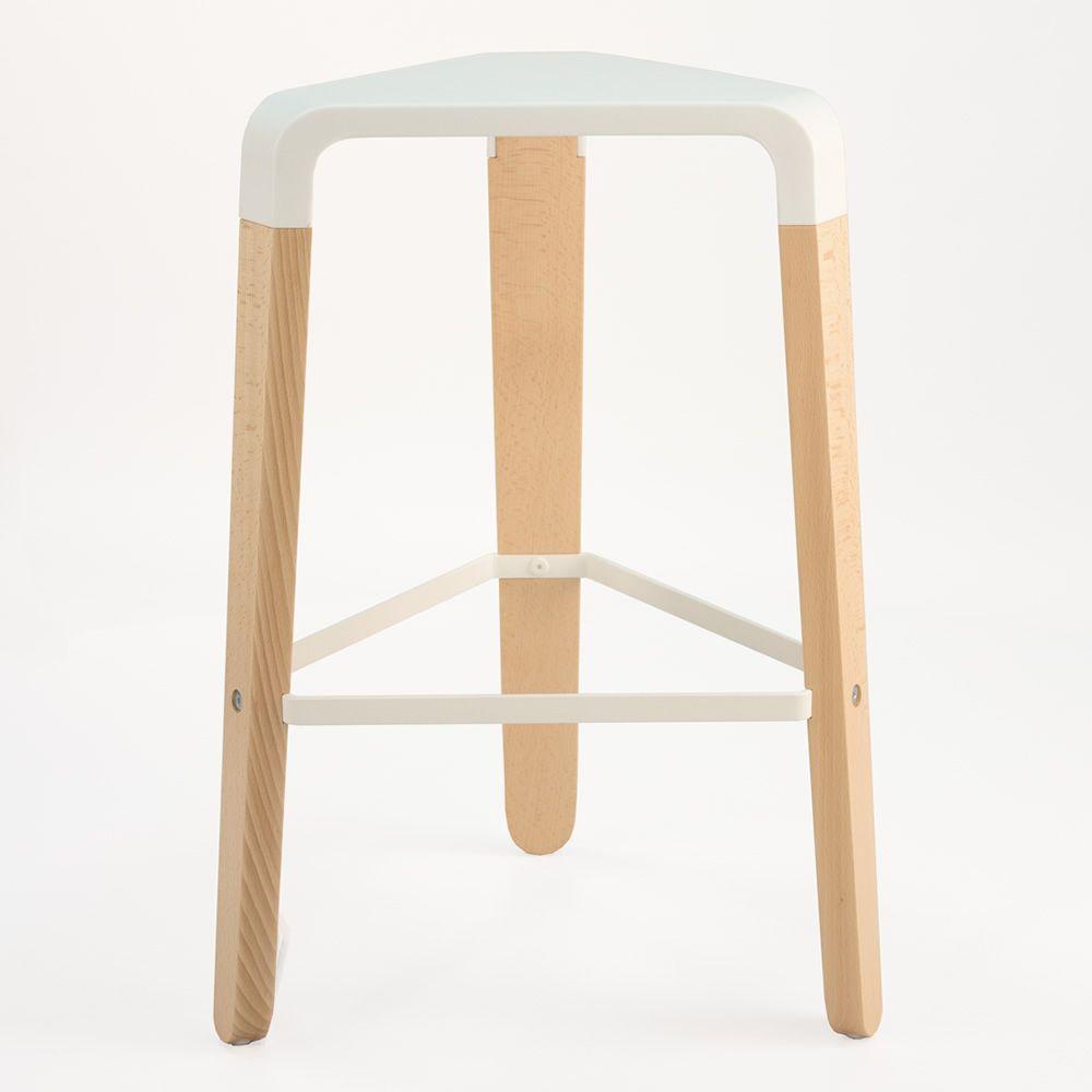 picapau hocker infiniti aus holz sitz aus polypropylen. Black Bedroom Furniture Sets. Home Design Ideas