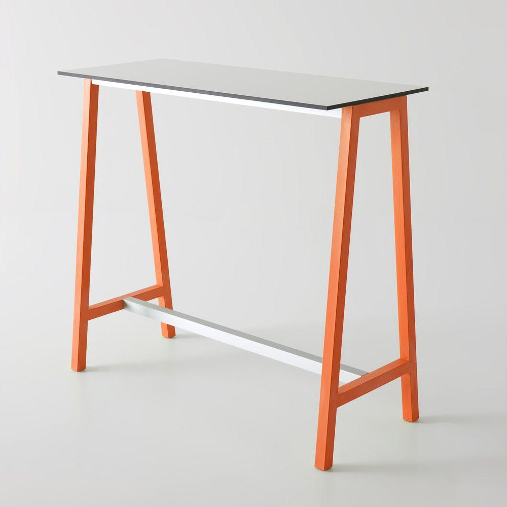 Step pour bars et restaurants table haute avec structure for Table exterieur orange