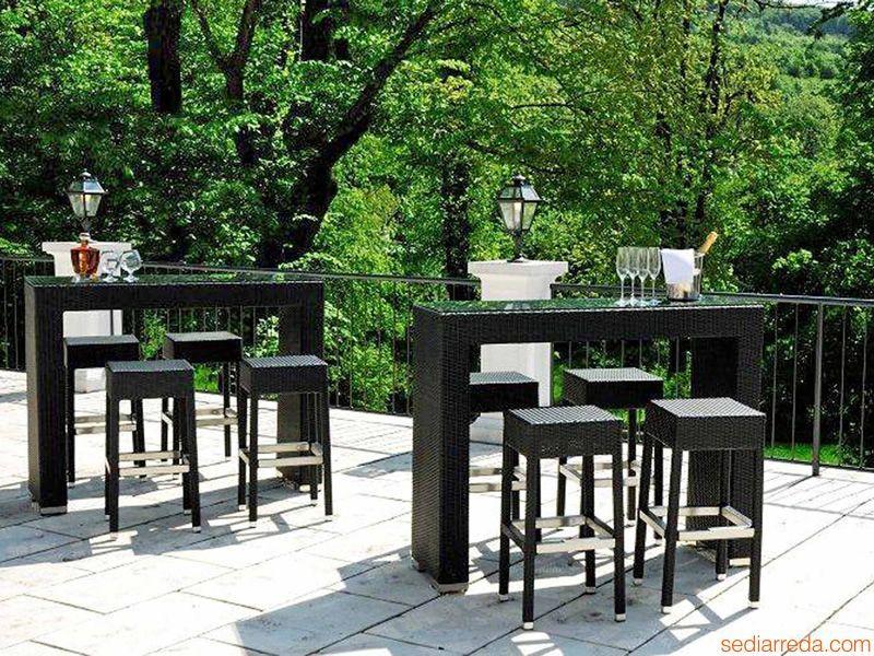 Ar bt pour bars et restaurants set pour les bars et for Table exterieur tresse