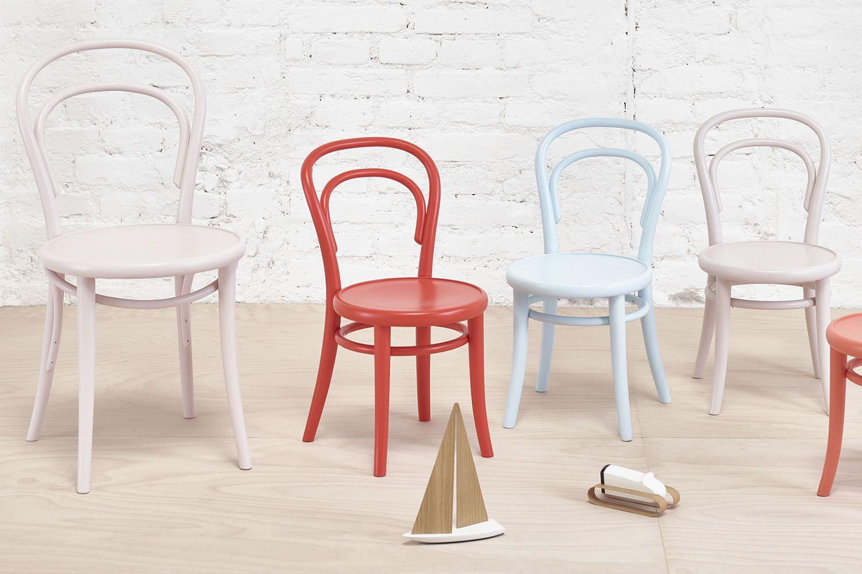 Petit 014 sedia ton per bambini in legno curvato for Sedia design legno curvato