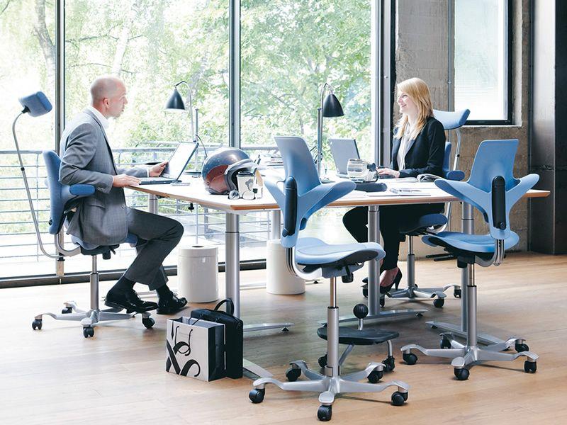 Capisco puls chaise de bureau h g assise en forme de - Chaises de bureau ergonomiques ...