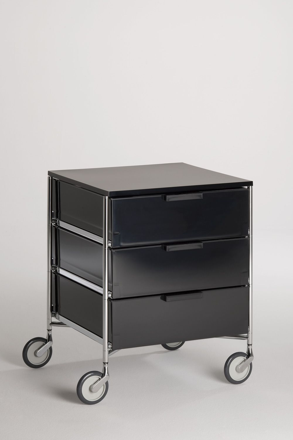 Mobil: Kartell container with drawers, in metal and methacrylate ...