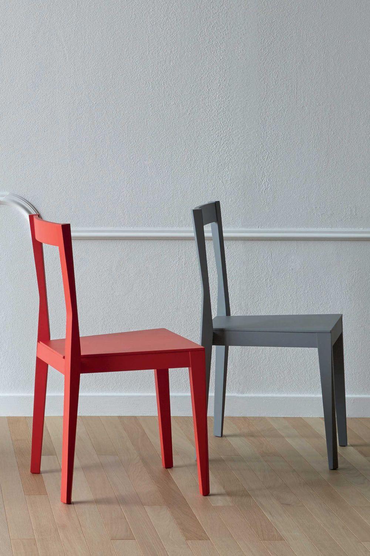 emilia stuhl miniforms aus holz stapelbar sediarreda. Black Bedroom Furniture Sets. Home Design Ideas