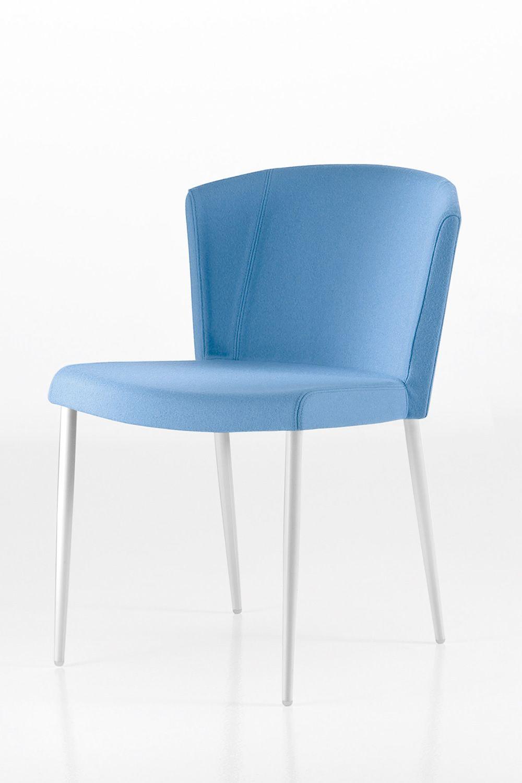 so chic chaise design chairs more en m tal et assise rembourr e disponible dans diff rentes. Black Bedroom Furniture Sets. Home Design Ideas