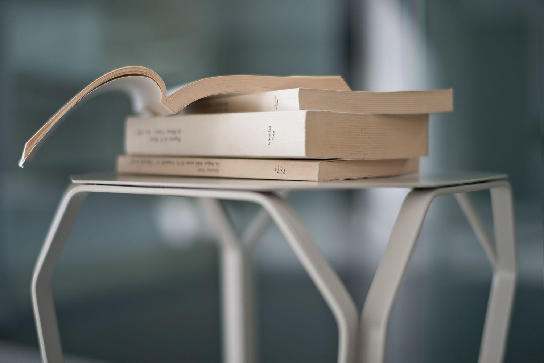 Tray 1 metal tavolino quadrato di design in metallo sediarreda