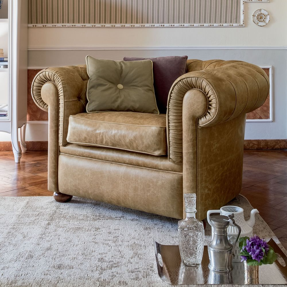Poltrone in pelle vintage cool divano pelle vintage usato for Poltrone vintage usate