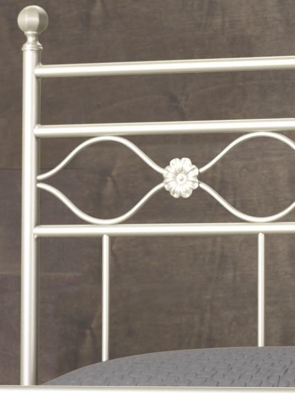 Incanto: Cama matrimonial de hierro disponible en varios acabados y ...