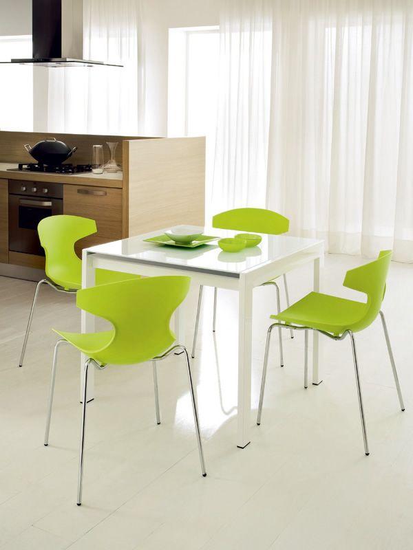 Echo sedia impilabile domitalia in metallo e for Sedie da cucina in metallo