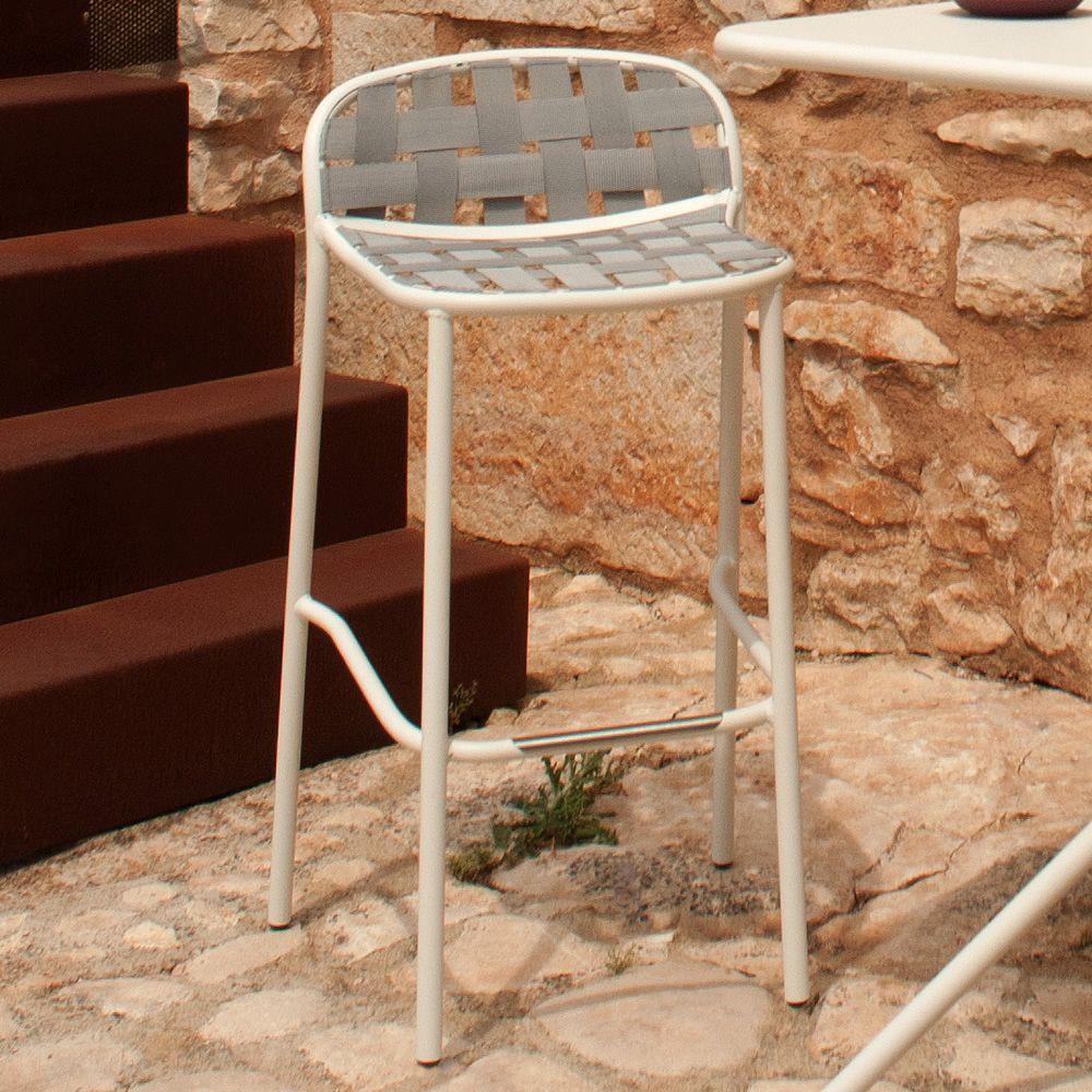 yard s barhocker emu aus metall in verschiedenen farben verf gbar f r garten stapelbar. Black Bedroom Furniture Sets. Home Design Ideas