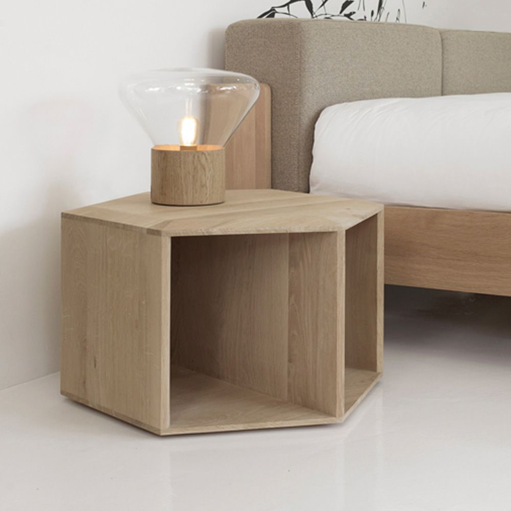 hexa petite table ou table de chevet design en bois. Black Bedroom Furniture Sets. Home Design Ideas