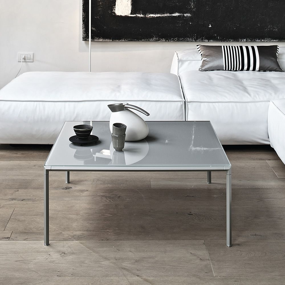 Diagonal Q | Coffee table with sand colour lacquered structure and glossy  dove grey lacquered glass