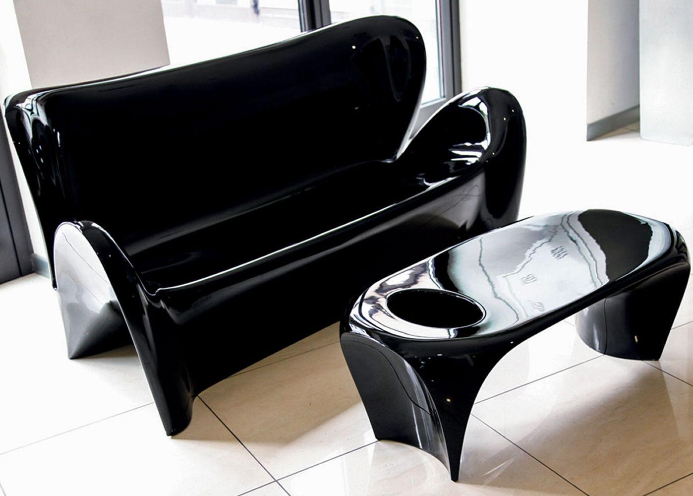 lily t beistelltisch aus technopolymer in verschiedenen farben verf gbar f r den au enbereich. Black Bedroom Furniture Sets. Home Design Ideas