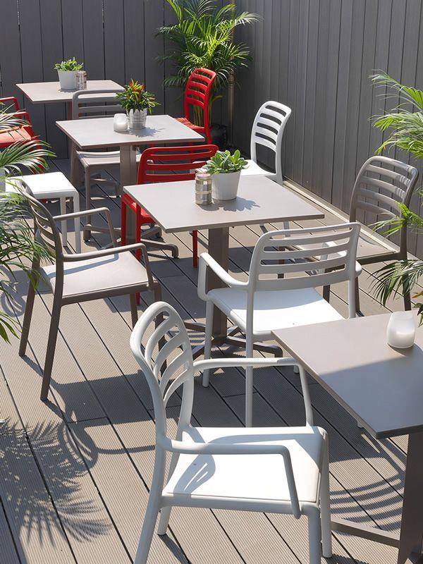 Molto Fiore per Bar e Ristoranti - Tavolo in metallo, piano in resina  RZ38