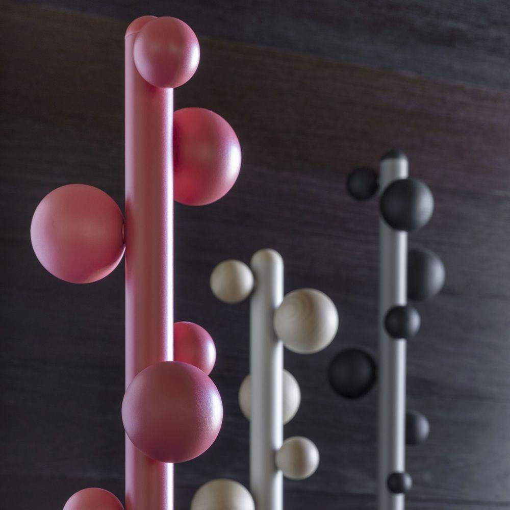 bubble kleiderst nder miniforms aus metall und holz. Black Bedroom Furniture Sets. Home Design Ideas