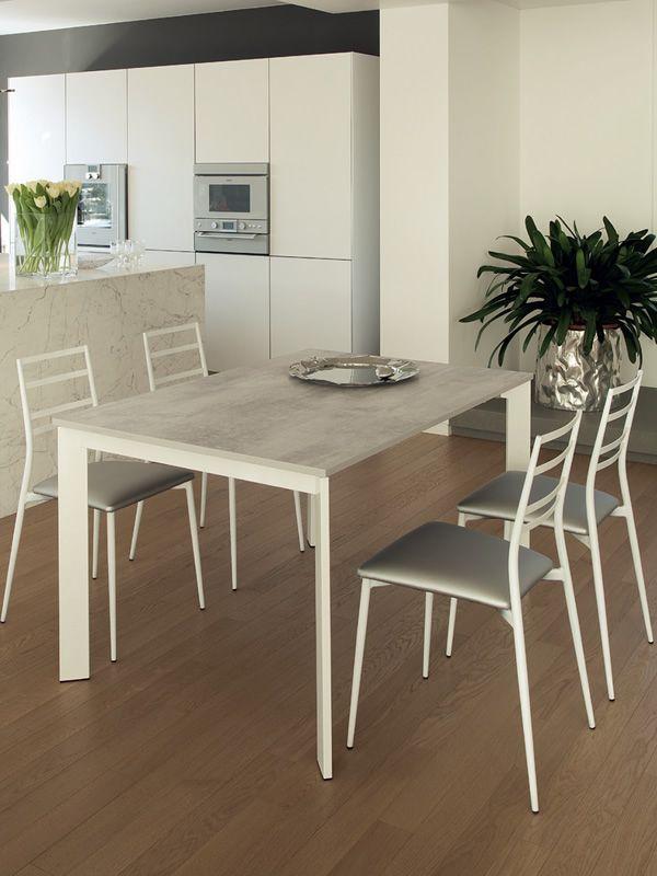 Slim sedia domitalia in metallo seduta imbottita for Sedie di metallo