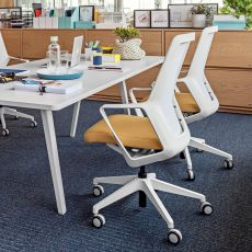 Flo - Design task chair for office, with padded seat, backrest in net, available in different colours