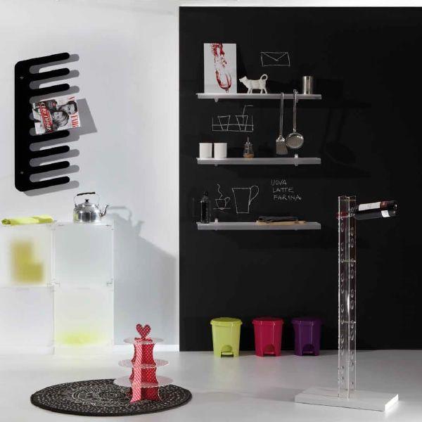 perbacco porte bouteilles poser au sol en bois et en methacrylate en diff rentes couleurs. Black Bedroom Furniture Sets. Home Design Ideas