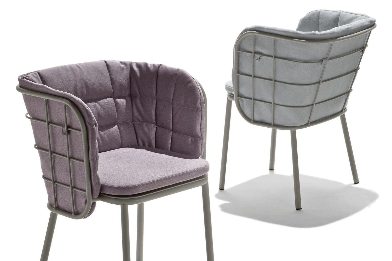 Coussin pour fauteuil en rotin ou osier maison design for Fauteuil de jardin en osier