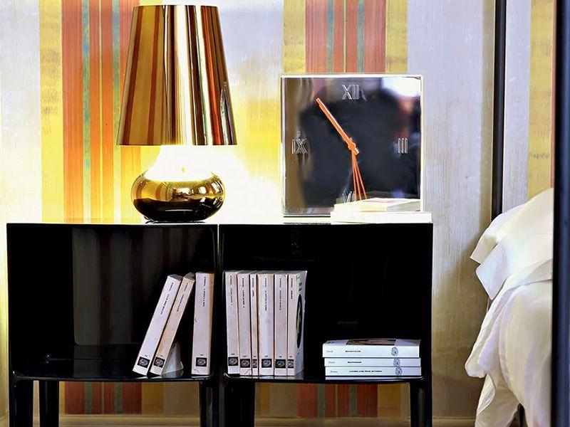 tic tac wanduhr kartell aus technopolymer verschiedene vorr tige farben sediarreda. Black Bedroom Furniture Sets. Home Design Ideas
