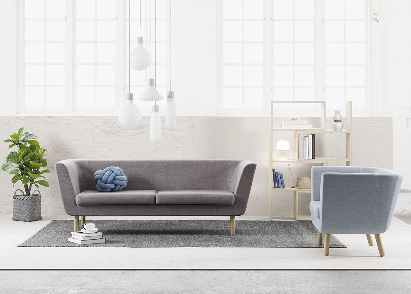 nest sofa mit gestell und beine aus holz gepolstert und. Black Bedroom Furniture Sets. Home Design Ideas