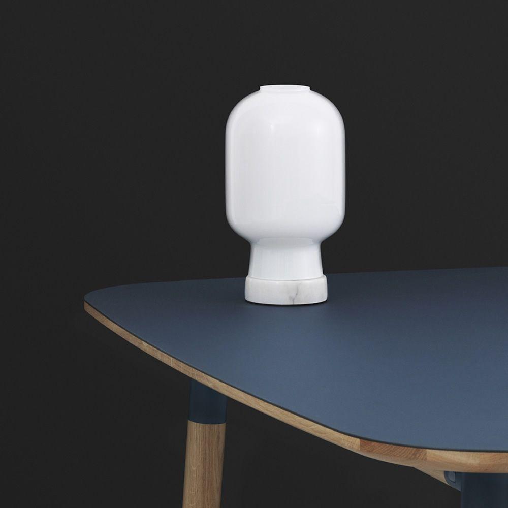 Amp t l mpara de mesa normann copenhagen de cristal y for Marmol blanco cristal