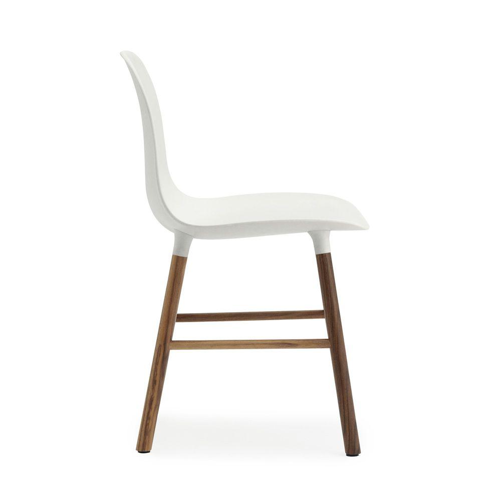 Form W pour Bars et Restaurants Chaise en bois, assise en polypropyl u00e8ne, disponible en