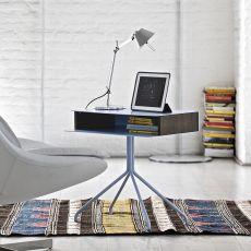 Hold - Tavolino, comodino o consolle Bontempi Casa, con struttura e piano in acciaio laccato, fianchi in legno, diversi colori e finiture disponibili
