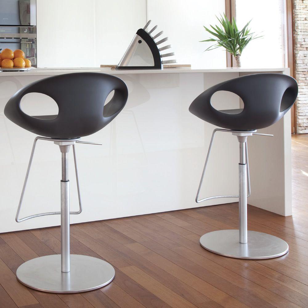 Up stool sgabello design di tonon girevole e regolabile for Sgabelli girevoli