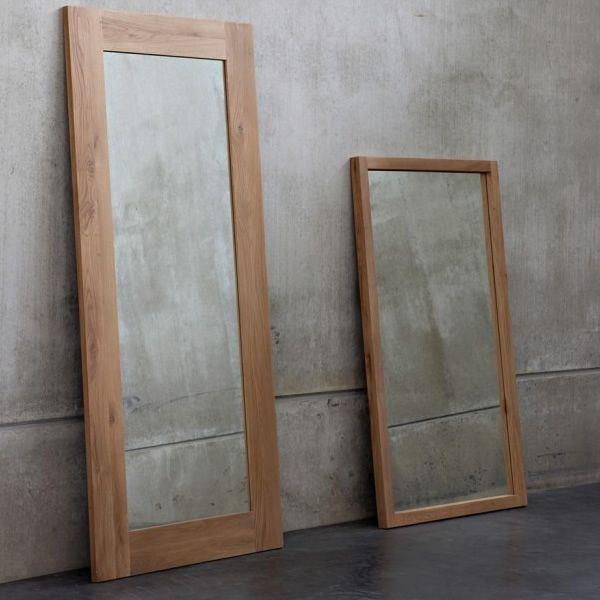 lf espejo con marco en madera de roble en distintas alturas con espejo