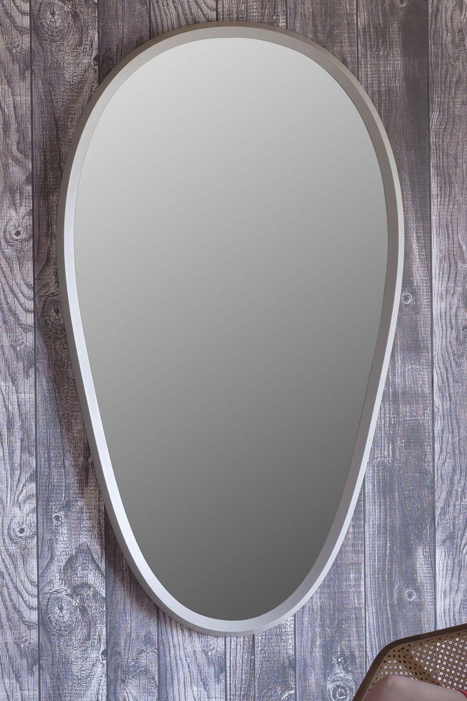 grimilde spiegel miniforms mit rahmen aus holz lackiert in verschiedenen gr en verf gbar. Black Bedroom Furniture Sets. Home Design Ideas