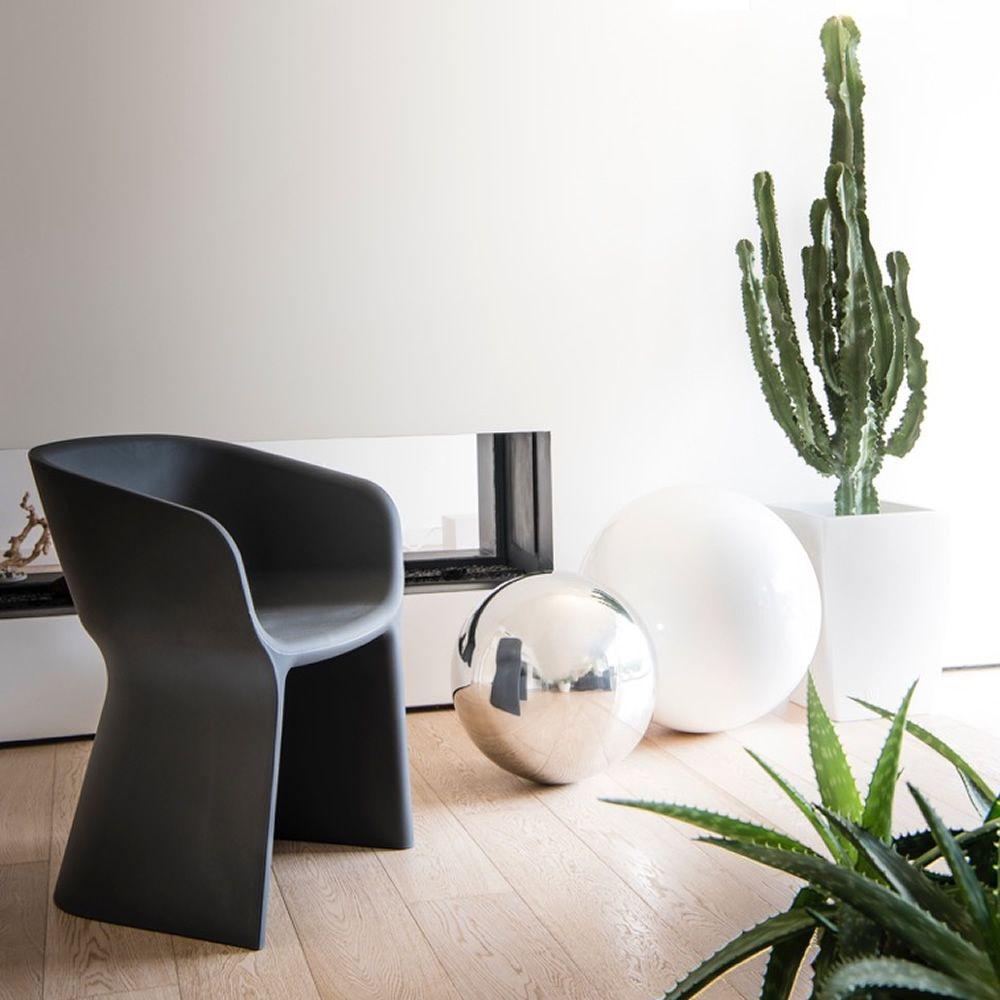 margarita fauteuil moderne en poly thyl ne disponible dans diff rentes couleurs id al pour le. Black Bedroom Furniture Sets. Home Design Ideas