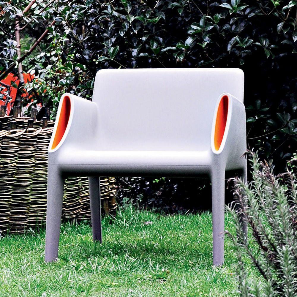 Magic hole armchair poltrona kartell di design per for Poltrone per giardino