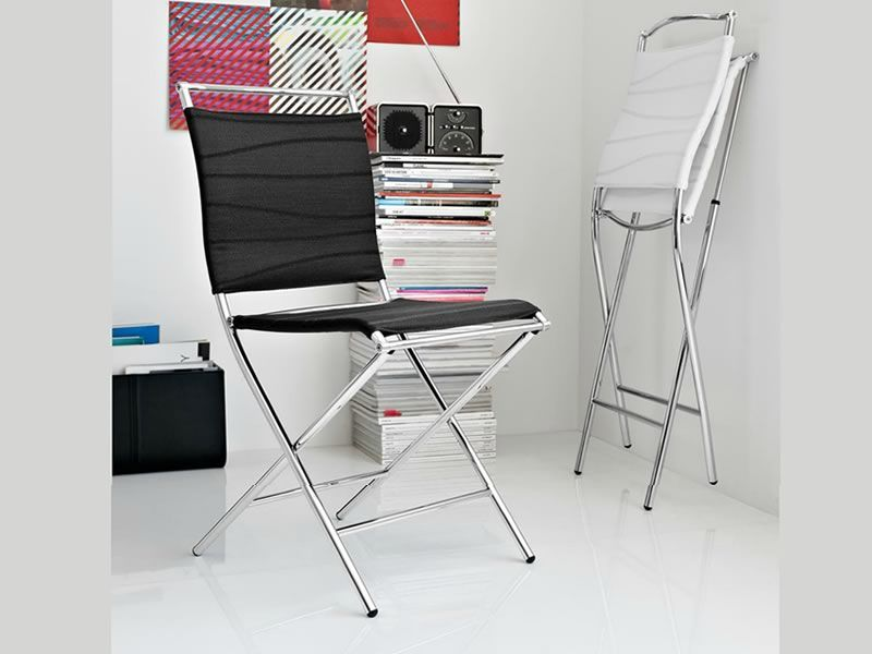 chairs made of metal and net, in optic white and black Tarifa colours