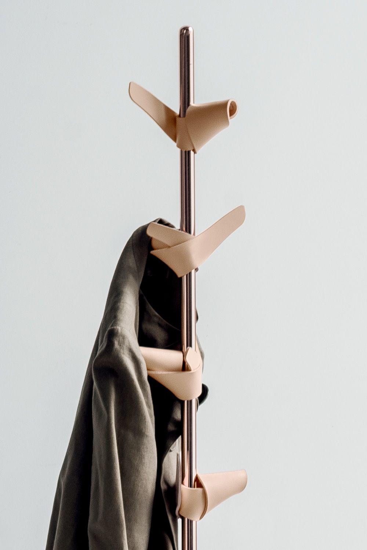 apelle tree kleiderst nder midj aus metall und leder. Black Bedroom Furniture Sets. Home Design Ideas