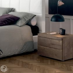 kart n comodino dall 39 agnese in legno diverse finiture e misure disponibili due cassetti. Black Bedroom Furniture Sets. Home Design Ideas