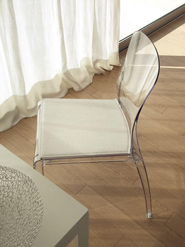 crystal chaise empilable domitalia en polycarbonate en. Black Bedroom Furniture Sets. Home Design Ideas