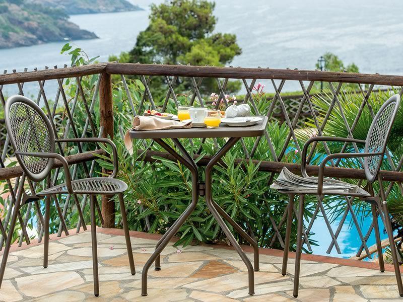 Antonietta 3397 - Sedia Emu in metallo per giardino con braccioli ...