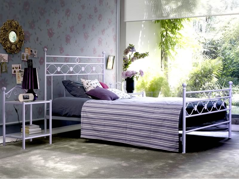 romanza d nachttisch aus eisen mit glasplatten. Black Bedroom Furniture Sets. Home Design Ideas