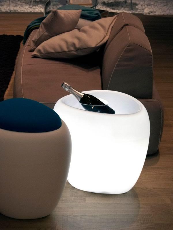 ios pb 8191 beistelltisch tonin casa aus polyethylen mit beh lter und flaschenhalter auch f r. Black Bedroom Furniture Sets. Home Design Ideas