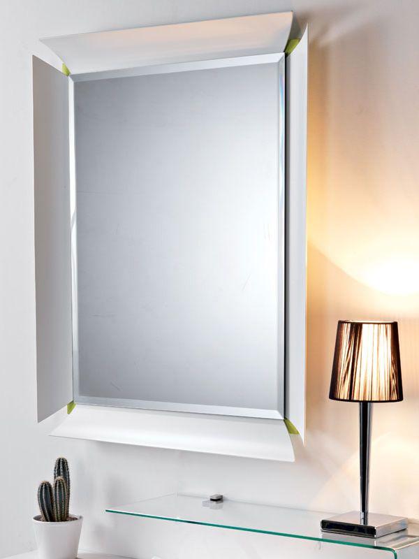 Due V - Specchio con cornice bianca e fondo in laminato verde cedro