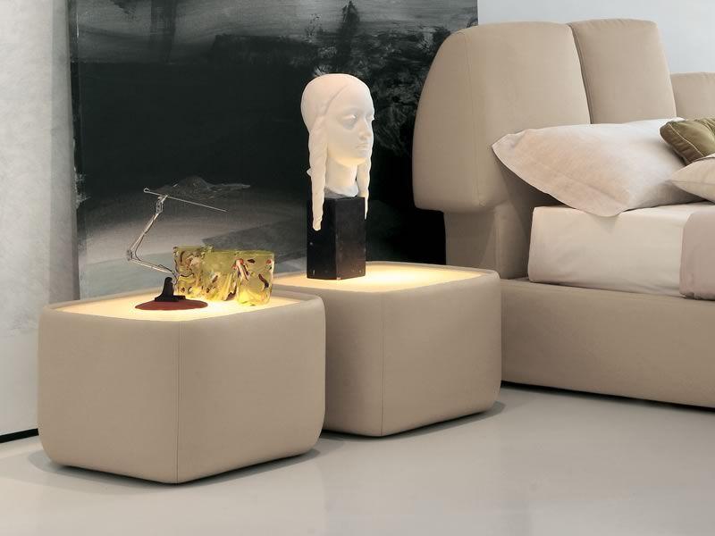 teeny 7337 table de chevet tonin casa rev tu en tissu cuir ou simili cuir aussi avec. Black Bedroom Furniture Sets. Home Design Ideas