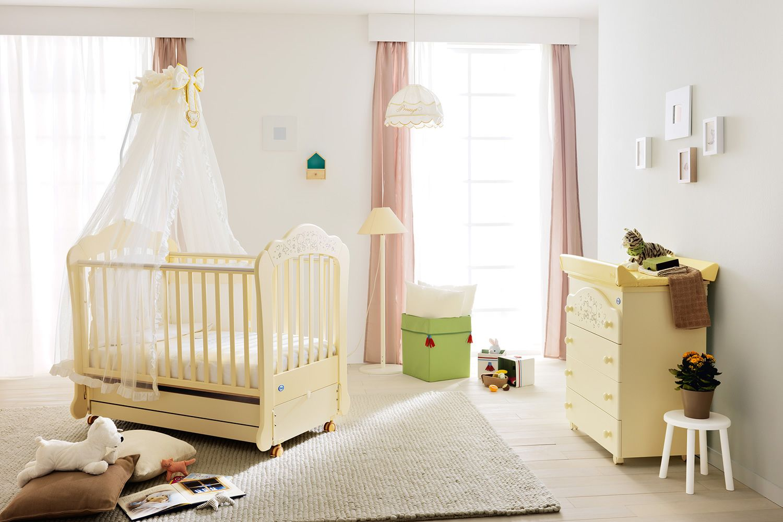 sofia schaukelbabybett pali aus holz mit gedeckter. Black Bedroom Furniture Sets. Home Design Ideas